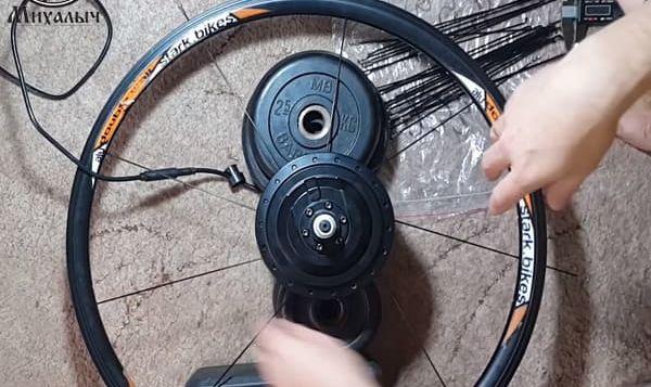 этап 2 Спицевание мотор колеса в три креста 26 обод длина спиц 233мм