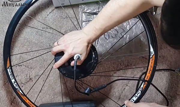 этап 3 Спицевание мотор колеса в три креста 26 обод длина спиц 233мм